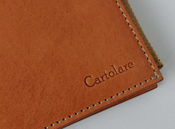 財布の縫製も、すごく丁寧で美しい